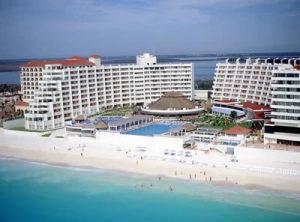 crowne paradise cancun