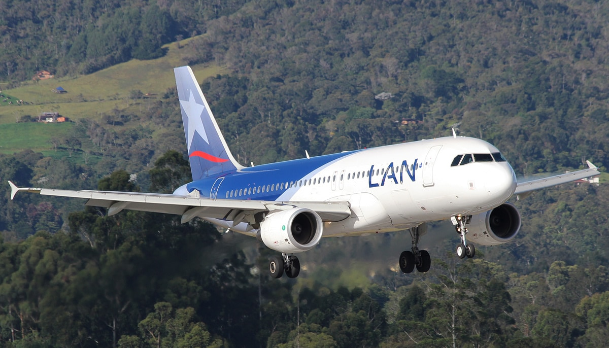avion lan colombia airbus