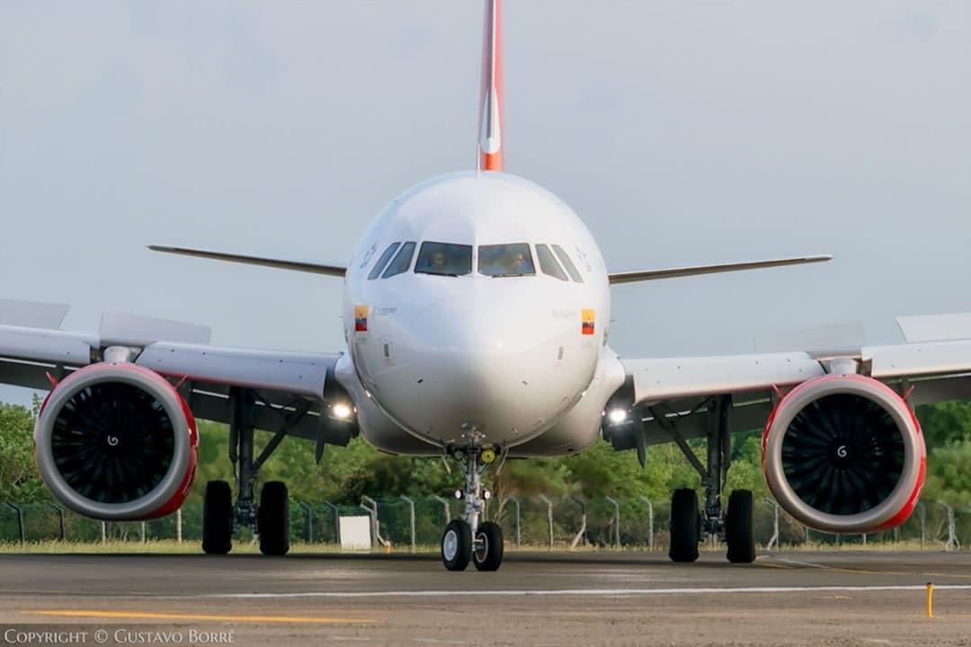avianca avion frente